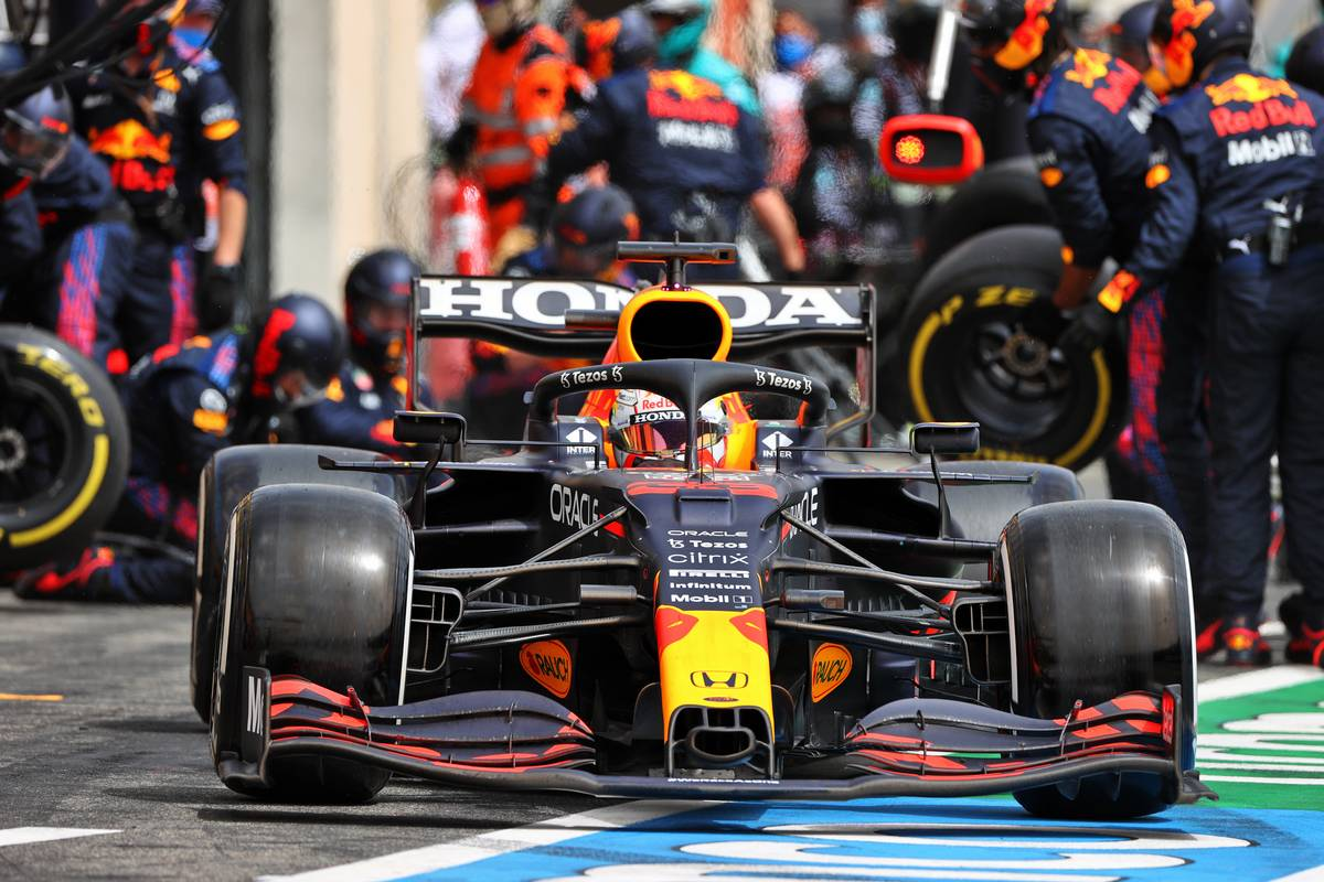 Max Verstappen (NLD) Red Bull Racing RB16B makes a pit stop. 20.06.2021. Formula 1 World Championship, Rd 7, French Grand Prix, Paul Ricard