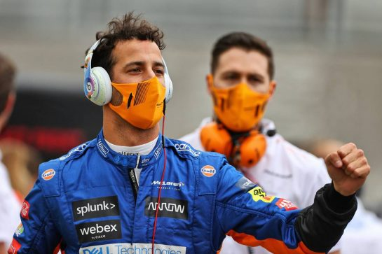 Daniel Ricciardo (AUS) McLaren on the grid. 20.06.2021. Formula 1 World Championship, Rd 7, French Grand Prix, Paul Ricard, France, Race Day. - www.xpbimages.com, EMail: requests@xpbimages.com © Copyright: Moy / XPB Images
