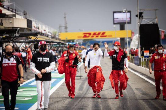Charles Leclerc (MON) Ferrari with Carlos Sainz Jr (ESP) Ferrari on the grid. 20.06.2021. Formula 1 World Championship, Rd 7, French Grand Prix, Paul Ricard, France, Race Day. - www.xpbimages.com, EMail: requests@xpbimages.com © Copyright: Bearne / XPB Images