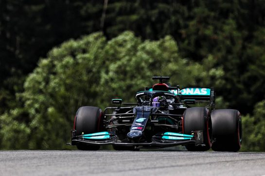 Lewis Hamilton (GBR) Mercedes AMG F1 W12. 25.06.2021. Formula 1 World Championship, Rd 8, Steiermark Grand Prix, Spielberg, Austria, Practice Day. - www.xpbimages.com, EMail: requests@xpbimages.com © Copyright: Batchelor / XPB Images