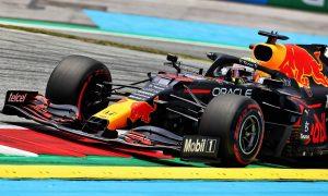 """Lewis faster"" warns Verstappen, despite topping Friday"