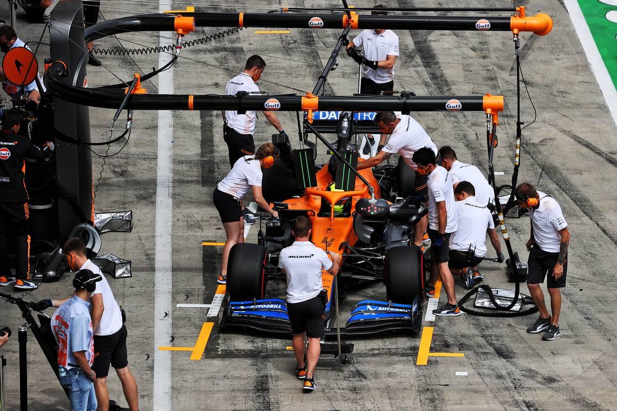 Lando Norris (GBR) McLaren MCL35M in his pit box. 25.06.2021. Formula 1 World Championship, Rd 8, Steiermark Grand Prix, Spielberg