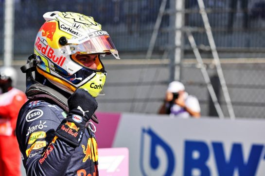 Max Verstappen (NLD) Red Bull Racing celebrates his pole position in qualifying parc ferme. 26.06.2021. Formula 1 World Championship, Rd 8, Steiermark Grand Prix, Spielberg, Austria, Qualifying Day. - www.xpbimages.com, EMail: requests@xpbimages.com © Copyright: Batchelor / XPB Images