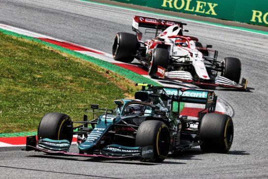 Sebastian Vettel (GER) Aston Martin F1 Team AMR21. 27.06.2021. Formula 1 World Championship, Rd 8, Steiermark Grand Prix, Spielberg, Austria, Race Day. - www.xpbimages.com, EMail: requests@xpbimages.com © Copyright: Batchelor / XPB Images