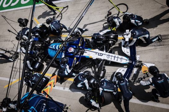 Nicholas Latifi (CDN) Williams Racing FW43B makes a pit stop. 27.06.2021. Formula 1 World Championship, Rd 8, Steiermark Grand Prix, Spielberg, Austria, Race Day. - www.xpbimages.com, EMail: requests@xpbimages.com © Copyright: Bearne / XPB Images