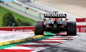 Brundle: Less drag and deg 'a potent combination' for Verstappen