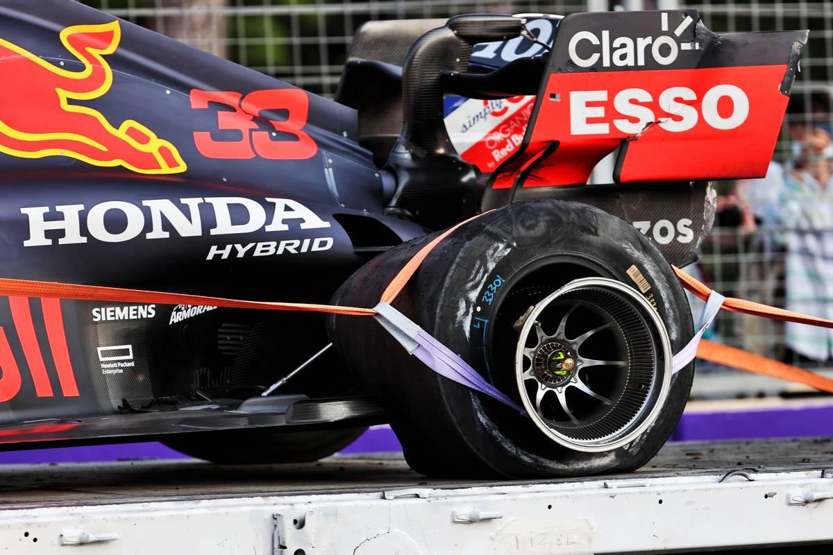 Pirelli reveals cause of tyre failures in Azerbaijan GP