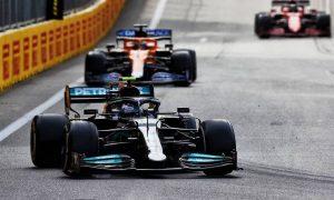 Bottas 'really poor at wheel-to-wheel' racing - Palmer