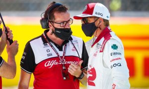 Testy Raikkonen tells Alfa team to 'wake up'