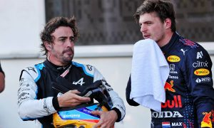 Alonso keen on 'sharing a team' with Verstappen