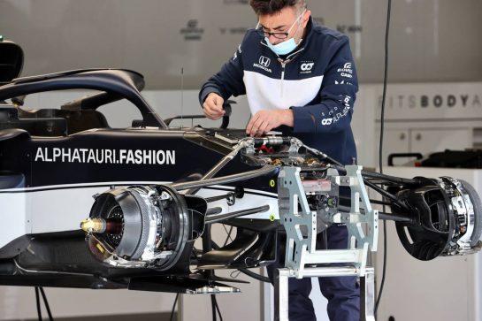 AlphaTauri AT02 front suspension and brake detail. 01.07.2021. Formula 1 World Championship, Rd 9, Austrian Grand Prix, Spielberg, Austria, Preparation Day. - www.xpbimages.com, EMail: requests@xpbimages.com © Copyright: Batchelor / XPB Images