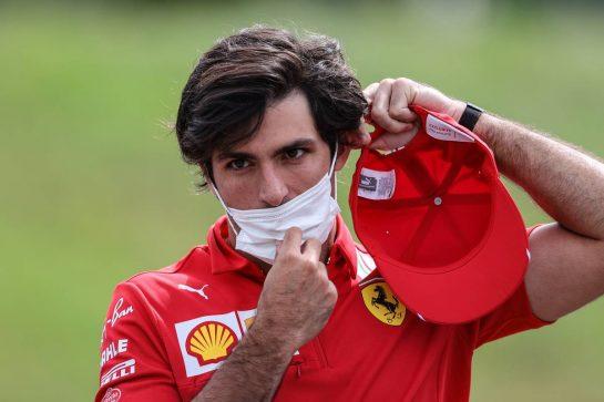 Carlos Sainz Jr (ESP), Scuderia Ferrari 01.07.2021. Formula 1 World Championship, Rd 9, Austrian Grand Prix, Spielberg, Austria, Preparation Day.- www.xpbimages.com, EMail: requests@xpbimages.com © Copyright: Charniaux / XPB Images