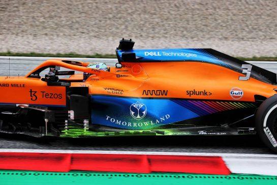 Daniel Ricciardo (AUS) McLaren MCL35M with flow-vis paint on the floor. 02.07.2021. Formula 1 World Championship, Rd 9, Austrian Grand Prix, Spielberg, Austria, Practice Day. - www.xpbimages.com, EMail: requests@xpbimages.com © Copyright: Batchelor / XPB Images