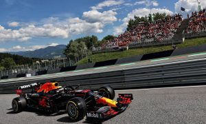 Verstappen narrowly on pole as Norris snatches second