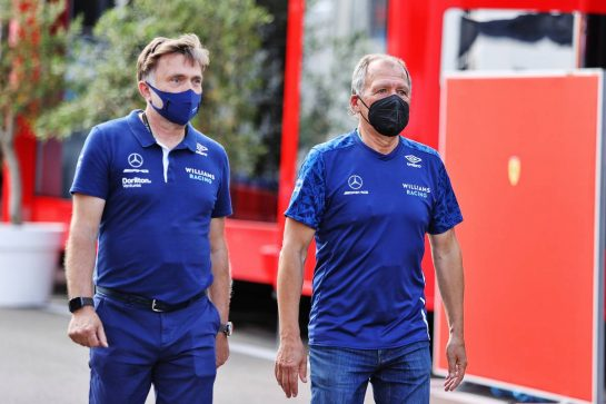 (L to R): Jost Capito (GER) Williams Racing Chief Executive Officer with Willy Rampf (GER) Williams Racing Technical Consultant. 03.07.2021. Formula 1 World Championship, Rd 9, Austrian Grand Prix, Spielberg, Austria, Qualifying Day. - www.xpbimages.com, EMail: requests@xpbimages.com © Copyright: Moy / XPB Images