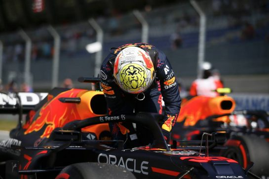 Pole sitter Max Verstappen (NLD) Red Bull Racing RB16B in qualifying parc ferme. 03.07.2021. Formula 1 World Championship, Rd 9, Austrian Grand Prix, Spielberg, Austria, Qualifying Day. - www.xpbimages.com, EMail: requests@xpbimages.com © Copyright: FIA Pool Image for Editorial Use Only