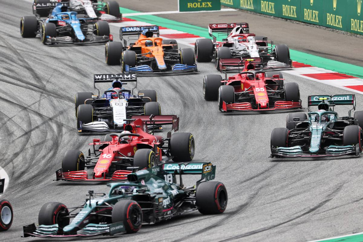 Masi: Drivers now compelled to 'tuck in their elbows' on opening laps