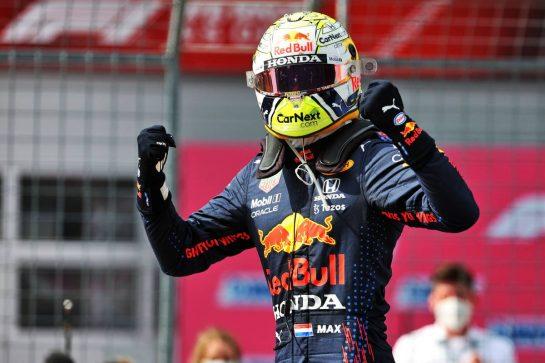Race winner Max Verstappen (NLD) Red Bull Racing celebrates in parc ferme. 04.07.2021. Formula 1 World Championship, Rd 9, Austrian Grand Prix, Spielberg, Austria, Race Day. - www.xpbimages.com, EMail: requests@xpbimages.com © Copyright: Batchelor / XPB Images