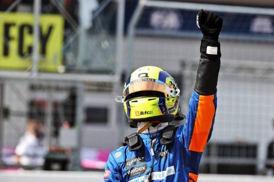 Lando Norris (GBR) McLaren celebrates his third position in parc ferme. 04.07.2021. Formula 1 World Championship, Rd 9, Austrian Grand Prix, Spielberg, Austria, Race Day. - www.xpbimages.com, EMail: requests@xpbimages.com © Copyright: Batchelor / XPB Images