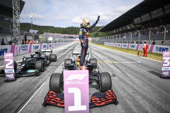 Race winner Max Verstappen (NLD) Red Bull Racing RB16B celebrates in parc ferme. 04.07.2021. Formula 1 World Championship, Rd 9, Austrian Grand Prix, Spielberg, Austria, Race Day. - www.xpbimages.com, EMail: requests@xpbimages.com © Copyright: FIA Pool Image for Editorial Use Only
