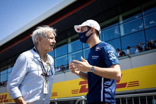 (L to R): Harrison Ford (USA) Actor with Nicholas Latifi (CDN) Williams Racing. 18.07.2021. Formula 1 World Championship, Rd 10, British Grand Prix, Silverstone, England, Race Day. - www.xpbimages.com, EMail: requests@xpbimages.com © Copyright: Bearne / XPB Images