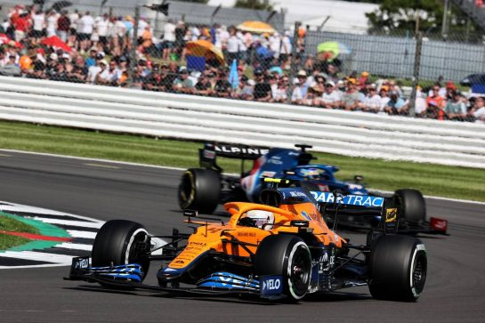 Lando Norris (GBR) McLaren MCL35M. 18.07.2021. Formula 1 World Championship, Rd 10, British Grand Prix, Silverstone, England, Race Day. - www.xpbimages.com, EMail: requests@xpbimages.com © Copyright: Batchelor / XPB Images