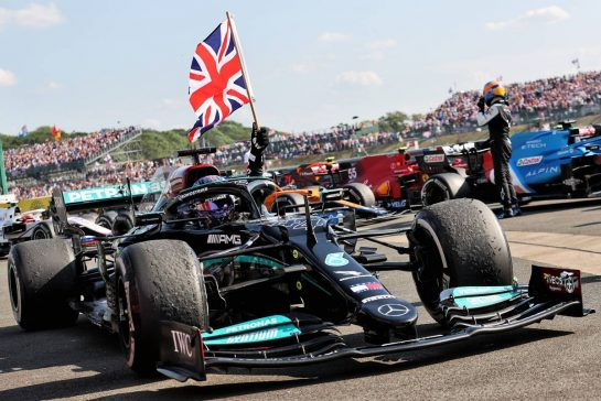 Race winner Lewis Hamilton (GBR) Mercedes AMG F1 W12 celebrates in parc ferme. 18.07.2021. Formula 1 World Championship, Rd 10, British Grand Prix, Silverstone, England, Race Day. - www.xpbimages.com, EMail: requests@xpbimages.com © Copyright: Batchelor / XPB Images