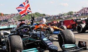 Hamilton triumphs in fight back after Verstappen clash