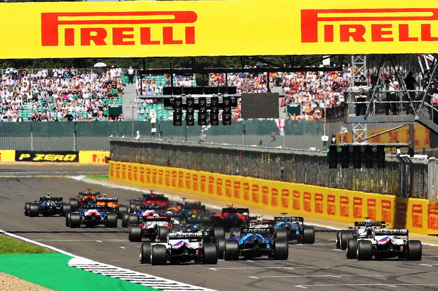Brown: Sponsors 'wouldn't mind' noisy engines in 'sustainable' F1