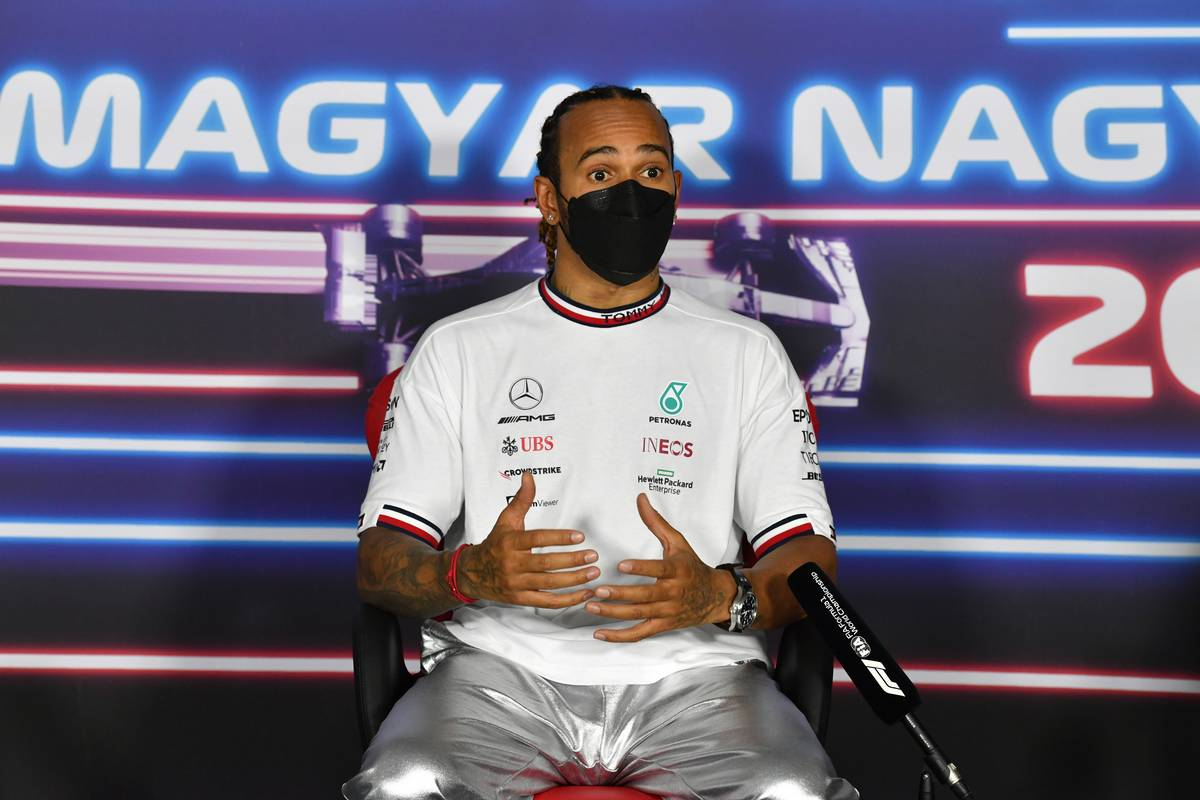 Hamilton denies 'silly' Mercedes gamesmanship charge