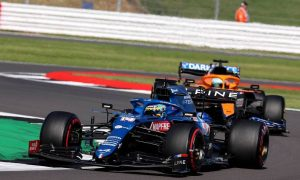 Alonso hails 'one of the best first laps' ever