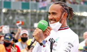Hamilton shrugs off demeaning comments from Ecclestone
