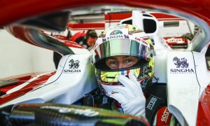 Pourchaire enjoys F1 baptism of fire with Alfa Romeo