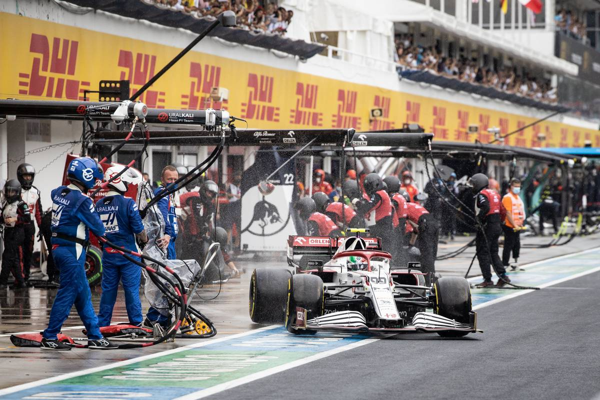 Antonio Giovinazzi (ITA) Alfa Romeo Racing C41 makes a pit stop. 01.08.2021. Formula 1 World Championship, Rd 11, Hungarian Grand Prix, Budapest