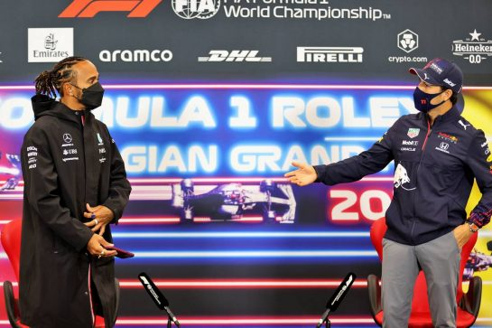 (L to R): Lewis Hamilton (GBR) Mercedes AMG F1 and Sergio Perez (MEX) Red Bull Racing in the FIA Press Conference. 26.08.2021. Formula 1 World Championship, Rd 12, Belgian Grand Prix, Spa Francorchamps, Belgium, Preparation Day. - www.xpbimages.com, EMail: requests@xpbimages.com © Copyright: Charniaux / XPB Images