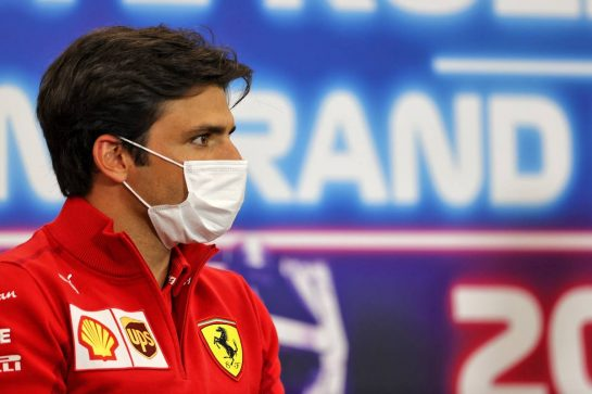 Carlos Sainz Jr (ESP) Ferrari in the FIA Press Conference. 26.08.2021. Formula 1 World Championship, Rd 12, Belgian Grand Prix, Spa Francorchamps, Belgium, Preparation Day. - www.xpbimages.com, EMail: requests@xpbimages.com © Copyright: Charniaux / XPB Images