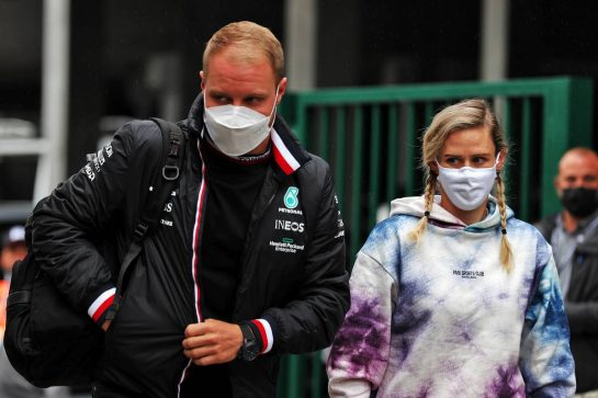 Valtteri Bottas (FIN) Mercedes AMG F1 with his girlfriend Tiffany Cromwell (AUS) Professional Cyclist. 27.08.2021. Formula 1 World Championship, Rd 12, Belgian Grand Prix, Spa Francorchamps, Belgium, Practice Day. - www.xpbimages.com, EMail: requests@xpbimages.com © Copyright: Batchelor / XPB Images