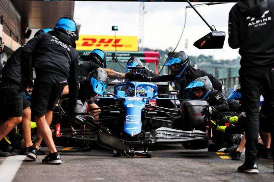 Fernando Alonso (ESP) Alpine F1 Team A521 practices a pit stop. 27.08.2021. Formula 1 World Championship, Rd 12, Belgian Grand Prix, Spa Francorchamps, Belgium, Practice Day. - www.xpbimages.com, EMail: requests@xpbimages.com © Copyright: Moy / XPB Images