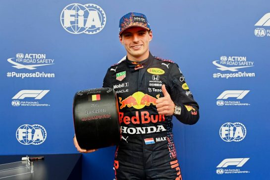 Max Verstappen (NLD) Red Bull Racing celebrates with the Pirelli Pole Position Award in qualifying parc ferme. 28.08.2021. Formula 1 World Championship, Rd 12, Belgian Grand Prix, Spa Francorchamps, Belgium, Qualifying Day. - www.xpbimages.com, EMail: requests@xpbimages.com © Copyright: FIA Pool Image for Editorial Use Only
