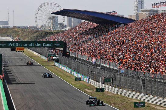 Lewis Hamilton (GBR) Mercedes AMG F1 W12. 03.09.2021. Formula 1 World Championship, Rd 13, Dutch Grand Prix, Zandvoort, Netherlands, Practice Day. - www.xpbimages.com, EMail: requests@xpbimages.com © Copyright: Batchelor / XPB Images