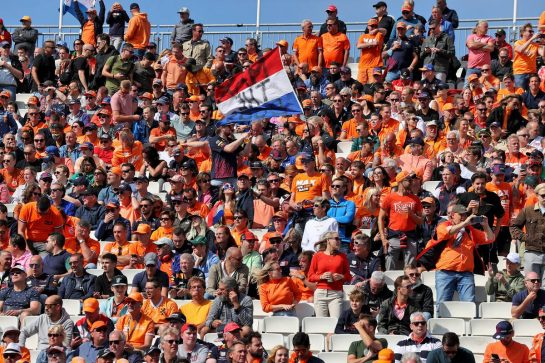 Circuit atmosphere - fans in the grandstand. 04.09.2021. Formula 1 World Championship, Rd 13, Dutch Grand Prix, Zandvoort, Netherlands, Qualifying Day. - www.xpbimages.com, EMail: requests@xpbimages.com © Copyright: Moy / XPB Images