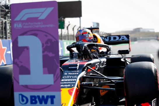 Pole sitter Max Verstappen (NLD) Red Bull Racing RB16B in qualifying parc ferme. 04.09.2021. Formula 1 World Championship, Rd 13, Dutch Grand Prix, Zandvoort, Netherlands, Qualifying Day. - www.xpbimages.com, EMail: requests@xpbimages.com © Copyright: FIA Pool Image for Editorial Use Only