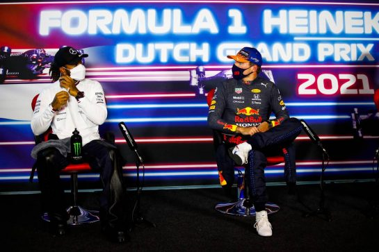 (L to R): Lewis Hamilton (GBR) Mercedes AMG F1 and Max Verstappen (NLD) Red Bull Racing in the post qualifying FIA Press Conference. 04.09.2021. Formula 1 World Championship, Rd 13, Dutch Grand Prix, Zandvoort, Netherlands, Qualifying Day. - www.xpbimages.com, EMail: requests@xpbimages.com © Copyright: FIA Pool Image for Editorial Use Only