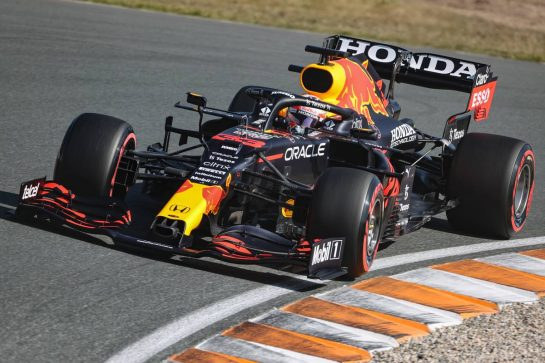 Max Verstappen (NLD), Red Bull Racing 04.09.2021. Formula 1 World Championship, Rd 13, Dutch Grand Prix, Zandvoort, Netherlands, Qualifying Day.- www.xpbimages.com, EMail: requests@xpbimages.com © Copyright: Charniaux / XPB Images