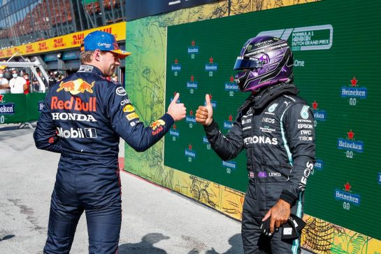 (L to R): Pole sitter Max Verstappen (NLD) Red Bull Racing with second placed Lewis Hamilton (GBR) Mercedes AMG F1 in qualifying parc ferme. 04.09.2021. Formula 1 World Championship, Rd 13, Dutch Grand Prix, Zandvoort, Netherlands, Qualifying Day. - www.xpbimages.com, EMail: requests@xpbimages.com © Copyright: FIA Pool Image for Editorial Use Only
