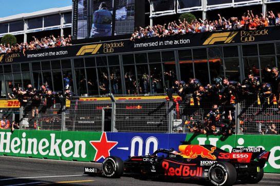 Race winner Max Verstappen (NLD) Red Bull Racing RB16B celebrates as he passes the team at the end of the race. 05.09.2021. Formula 1 World Championship, Rd 13, Dutch Grand Prix, Zandvoort, Netherlands, Race Day. - www.xpbimages.com, EMail: requests@xpbimages.com © Copyright: Batchelor / XPB Images