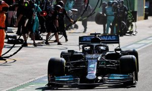 Wolff admits Mercedes went for wrong strategy