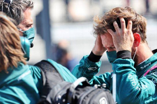 Sebastian Vettel (GER) Aston Martin F1 Team on the grid. 05.09.2021. Formula 1 World Championship, Rd 13, Dutch Grand Prix, Zandvoort, Netherlands, Race Day. - www.xpbimages.com, EMail: requests@xpbimages.com © Copyright: Batchelor / XPB Images