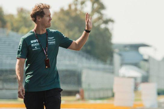 Sebastian Vettel (GER) Aston Martin F1 Team walks the circuit. 09.09.2021. Formula 1 World Championship, Rd 14, Italian Grand Prix, Monza, Italy, Preparation Day. - www.xpbimages.com, EMail: requests@xpbimages.com © Copyright: Bearne / XPB Images