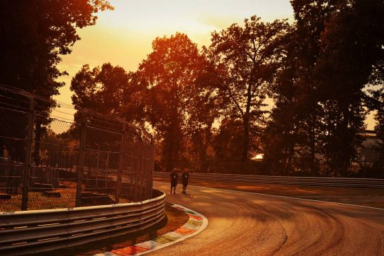 Circuit atmosphere - the track at sunset. 09.09.2021. Formula 1 World Championship, Rd 14, Italian Grand Prix, Monza, Italy, Preparation Day. - www.xpbimages.com, EMail: requests@xpbimages.com © Copyright: Moy / XPB Images